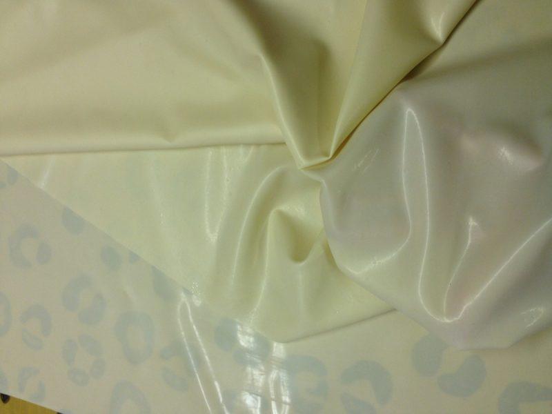 Yummy Gummy Latex Milky trans white latex