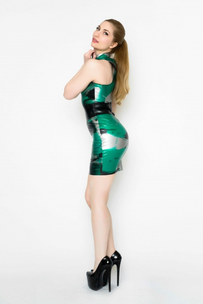 Yummy Gummy Latex High neck dress with wide pointed belt in green marble