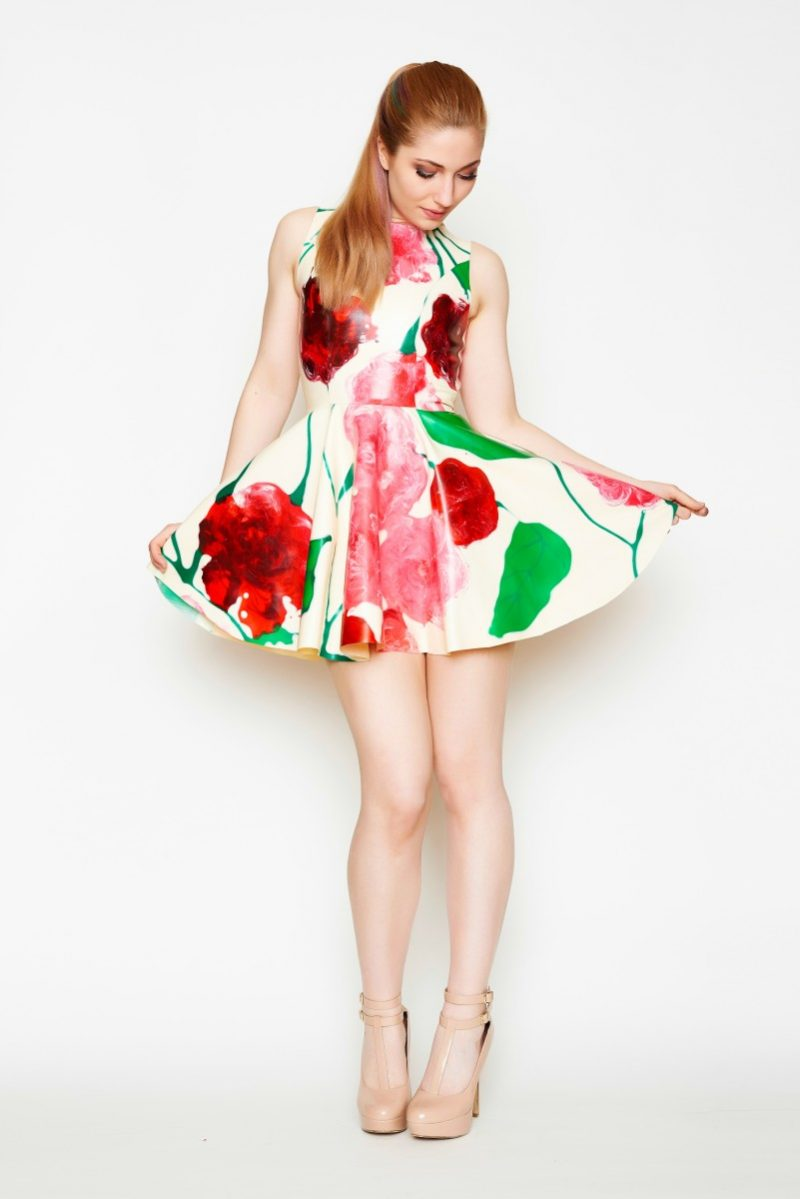 Yummy Gummy latex, Floral heart open back dress