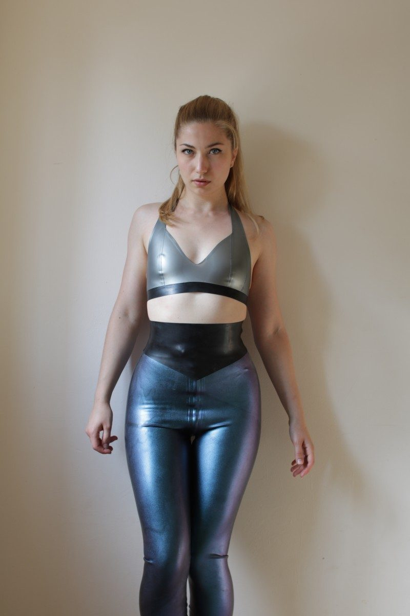 Yummy Gummy Latex zip though leggings in dark blue one colour change latex with wide pointed belt